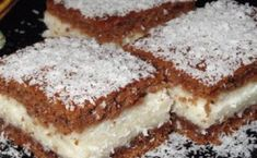 Fast and juicy coconut cake Greek Sweets, Greek Desserts, Greek Recipes, Sweets Cake, Cupcake Cakes, Sweets Recipes, Cookie Recipes, Cacao Benefits, Kolaci I Torte