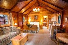 Paradise Lodge and Bungalows, Lake Louise – Bijgewerkte prijzen 2020 Bungalows, Pergola, Paradise, Outdoor Structures, Outdoor Pergola, Bungalow, Ranch Homes, Heaven