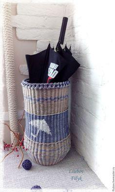 """Корзины, коробы ручной работы. Ярмарка Мастеров - ручная работа. Купить Корзина плетеная интерьерная для зонтов """" В Провансе"""". Handmade. Tall Basket, Paper Furniture, Newspaper Basket, Cardboard Paper, Wicker Baskets, Straw Bag, Handmade, Crafts, Diy"""