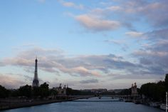End of the day in #Paris -  #EiffelTower    Photo: (c) mohamedkhalil.tumblr.com  Great artist, click  the link to have a look at his pictures :)  Planning a trip to Paris? Book a #room  at Cadran #Hotel www.cadran-hotel-gourmand.com