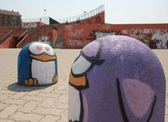 Spray On Concrete: Street Art At Its Finest (is it mural? whatever..it's cute anyway :))