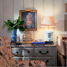 Eye For Design: Decorating With Blue Painted Furniture