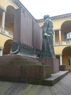 Monumento commemorativo dell'Università
