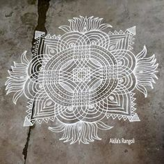 Indian Rangoli Designs, Rangoli Designs Latest, Rangoli Designs Flower, Rangoli Border Designs, Rangoli Ideas, Rangoli Designs With Dots, Flower Rangoli, Rangoli With Dots, Beautiful Rangoli Designs