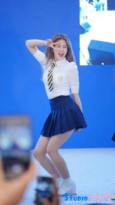 Kpop Outfits, Girly Outfits, Cute Outfits, Choi Yoojung, Kim Sejeong, Pre Debut, Girls In Mini Skirts, Jeon Somi, School Girl Outfit