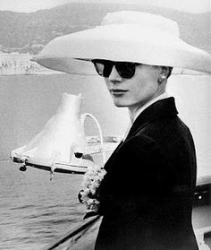 Perfect hat for the perfectly lovely, Princess Grace of Monaco.