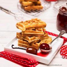 Marzipan Waffeln mit Zwetschken Marzipan, Breakfast, Muffins, Food Ideas, Waffles, Backen, Waffle Iron, Cooking Recipes, Food Food