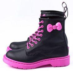 Hello Kitty x Dr Martens