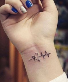 The heartbeat tattoo is one of the rarest and most adorable tattoo designs. These tattoos take the design of the irregular lines, also called the EKG lines. Trendy Tattoos, Mini Tattoos, Tattoos For Guys, Tattoos For Women, Tattoos For Nurses, Small Tattoos For Girls, White Tattoos, Girly Tattoos, Small Wrist Tattoos