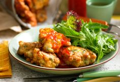 Sweet Potato and Corn Fritters. Serve as brunch or a light meal - you could even add some crispy bacon on the side. I would grate my Sweet Potato. Vegetarian Side Dishes, Veg Dishes, Vegetable Dishes, Vegetable Recipes, Vegetarian Recipes, Cooking Recipes, Healthy Recipes, Savoury Recipes, Savory Snacks