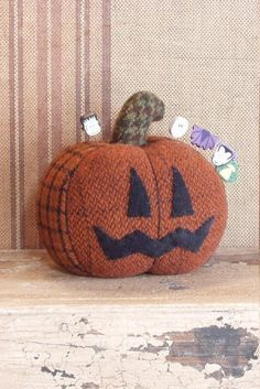 Wool Pumpkin Pin Keep