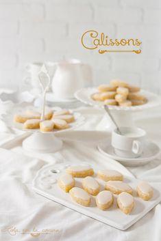 Los calissons son unos dulces típicos de La Provenza, más concretamente de la ciudad de Aix-en -Provence, cuyos orígenes parece que se rem...