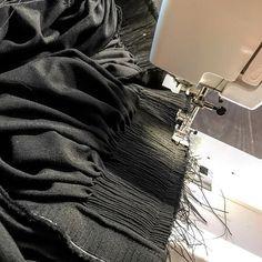 Bilderesultat for beltestakk hjul Norwegian Clothing, Sewing Hacks, Sewing Tips, Norway, Fantasy, Costumes, Embroidery, Image, Instagram