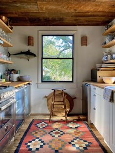 My Stay at Sea Roost in Montauk Rustic Kitchen, Kitchen Decor, Kitchen Design, Home Design, Interior Design, Small Beach Houses, Small Modern Home, Cottage Kitchens, Cabin Plans