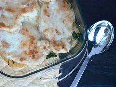 layered cheesy chicken with spinach