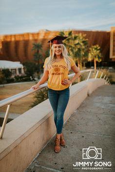 Arizona State University ASU Grad senior Graduation Pictures in Tempe Arizon. Nursing Graduation Pictures, College Senior Pictures, College Graduation Pictures, Graduation Picture Poses, Graduation Portraits, Graduation Photography, Graduation Photoshoot, Grad Pics, Senior Portraits
