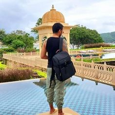 Dehora (@dehoraofficial) • Instagram photos and videos Carry On Luggage, Travel Luggage, Travel Backpack, Luggage Bags, Sling Backpack, Mens Travel Bag, Travel Bags, Office Bags For Men, Online Bags