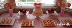 cakewalk: minnie mouse dessert table