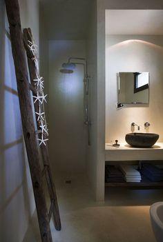 Italian architect Luca Zanaroli has designed a contemporary remodel and extension of a saracen trullo, a common rural building found in the Ostuni region of Italy. Bad Inspiration, Bathroom Inspiration, Home Decor Inspiration, Bathroom Spa, Small Bathroom, Bathroom Ladder, Natural Bathroom, Bathroom Interior, Bathroom Ideas