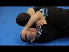 Arm Triangle Choke from Bottom Half Guard Jiu Jitsu Moves, Jiu Jitsu Gi, Ju Jitsu, Kickboxing Workout, Glute Workouts, Body Workouts, Jiu Jitsu Videos, Jiu Jitsu Training, Jiu Jitsu Techniques