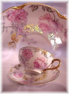Rose teacup. This makes me think of my dear Nana. RIP