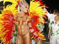 Esquenta de Carnaval! Relembre as beldades que desfilaram 'tanquinhos' durante a folia