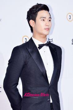 Kim Soo Hyun at The 50th Annual Baeksang Arts Awards - May 27, 2014 [PHOTOS] : Photos : KDramaStars