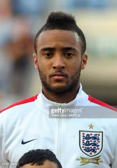 Nathan Redmond England Images et photos Chef Jackets, Photos, England, Baseball Cards, Sports, Image, Hs Sports, Excercise, English
