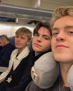 """New Hope Club on Instagram: """"See you soon Singapore 🇸🇬✈️❤️ . . . #band #nhc #loveagaintour #asia #sungapore #tour #flying"""" What Is Love, My Love, Blake Richardson, Reece Bibby, Boy Squad, New Hope Club, New Boyfriend, Corbyn Besson, British Boys"""