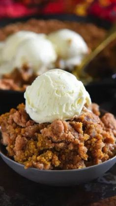 Pumpkin Pie Crisp: this easy fall dessert is made with a creamy pumpkin pie filling and a crunchy golden cinnamon streusel and then served warm with ice cream! #Pumpkin #PumpkinDessert #PumpkinCobbler #Fall #Recipe #PumpkinPie #Cobbler