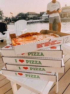 I need pizza in my system Think Food, I Love Food, Good Food, Yummy Food, Food N, Food And Drink, Snacks Saludables, Fast Food, Food Goals
