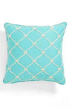 rope lattice pillow