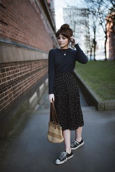 Cool 42 Stylish Skirt Outfits Ideas To Try This Spring Modest Fashion, Skirt Fashion, Teen Fashion, Korean Fashion, Fashion Outfits, Apostolic Fashion, Modest Clothing, Apostolic Style, Teen Clothing