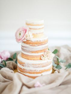 Beautiful naked cake: http://www.stylemepretty.com/canada-weddings/british-columbia/vancouver/2015/05/18/vintage-blush-wedding-inspiration/ | Photography: ARTIESE - http://www.artiesestudios.com/