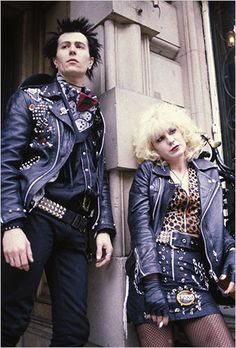 Sid and Nancy. Gary Oldman, who went on to do many things...like Tinker Tailor Solder Spy, Dracula and Harry Potter. Chloe Webb went on to be in the opening clip of Ghostbusters 2.