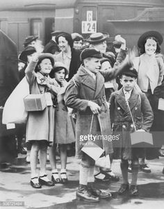 News Photo : Children Being Evacuated from Manchester During...
