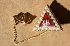 1945 Sigma Kappa pin