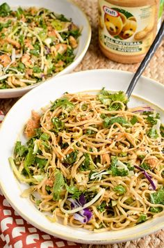Peanut Chicken Noodle Salad Bowl Yummy Pasta Recipes, Healthy Eating Recipes, Lunch Recipes, Real Food Recipes, Vegetarian Recipes, Chicken Recipes, Cooking Recipes, Healthy Eats, Chicken Salads