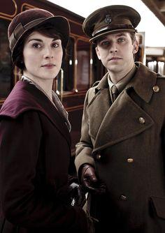 Michelle Dockery as Lady Mary and Dan Stevens as Matthew Crawley in Downton Abbey