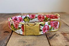 This lovely floral pattern. | 22 Adorable Dog Collars You Need For Your Pup