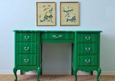 i'm really digging this kelly green - great idea to do it on a painted piece!