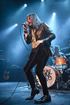 Jay Buchanan of Rival Sons. Chilled with these guys in Wolverhampton last Saturday night, was awesome. Rival Sons, People Who Help Us, Music Express, Great Western, Blues Rock, My Favorite Music, No One Loves Me, Hard Rock, Rock N Roll