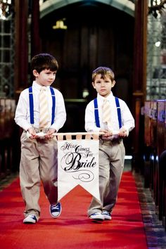 Here Comes the Bride Ringbearer or Flower Girl Sign :  wedding ceremony diy JAwed 0648