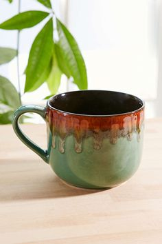 Reactive Drip Mug - Urban Outfitters Pretty Mugs, Cute Mugs, Colored Vases, Coffee Heart, Colorful Plants, Pottery Sculpture, Inside Design, Ceramic Planters, Dinnerware Sets