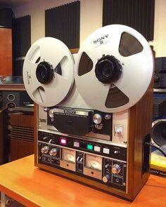 Studio Gear, Studio Setup, Diy Hifi, Recording Studio Design, Audio Room, Record Players, Hifi Audio, Old Tv, Audio Equipment