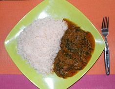 Unlike the Urhobo Ofe Akwu stew called Banga, which is mainly eaten as soup for starch, the Igbo Ofe Akwu is best served as stew for boiled white Rice.