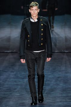 Gucci - Fall 2012 Menswear - Look 33 of 43?url=http://www.style.com/slideshows/fashion-shows/fall-2012-menswear/gucci/collection/33