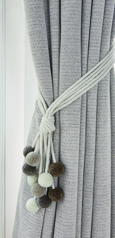 A fun yet stylish tie back combining colourful pom-poms with a neutral cord. Embrace Length Composition 56 CO 31 VI 10 PC 2 PA 1 PL Delivery w Pom Pom Curtains, Grey Curtains, Curtains With Blinds, Pom Poms, Dyi Curtains, Diy Bedroom Decor, Living Room Decor, Home Decor, Curtain Styles
