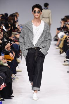 Seoul Fashion, Korean Fashion, Male Fashion, Trendy Outfits, Cool Outfits, Fashion Outfits, Conceptual Fashion, Men Looks, Fashion Sketches