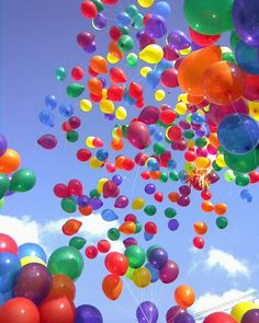 Balloons make everything better. I want a rainbow of balloons at my funeral! Rainbow Balloons, Bubble Balloons, Colourful Balloons, Colorful, Bubbles, Helium Balloons, Happy Balloons, Floating Balloons, Pastel Balloons